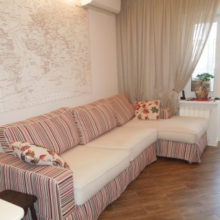 Чехол на диван и воздушная штора из вуали для Веры.