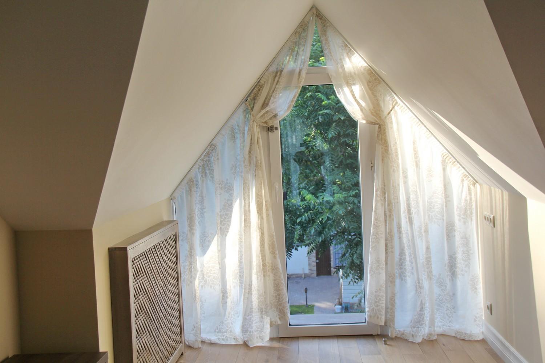 Льняные шторы с винтажным рисунком.