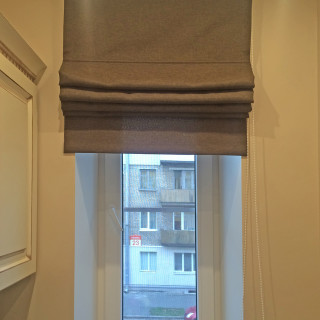 Однотонные римские шторы в кухню для Владиславы