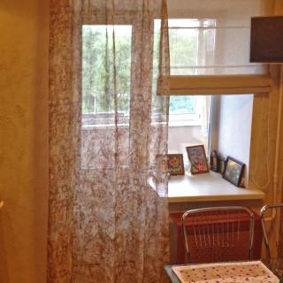 Шторы для  Сергея. Вуаль и римская шторы в кухню.